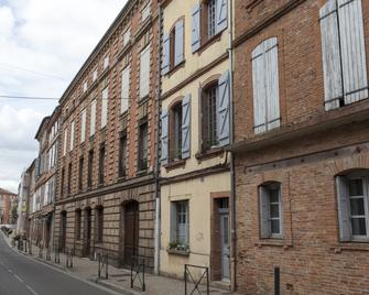 46FM :: Montauban GuestHouse :: - Montauban - Building
