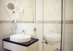烏雷威恩豪斯酒店 - 史威林 - 什未林 - 浴室