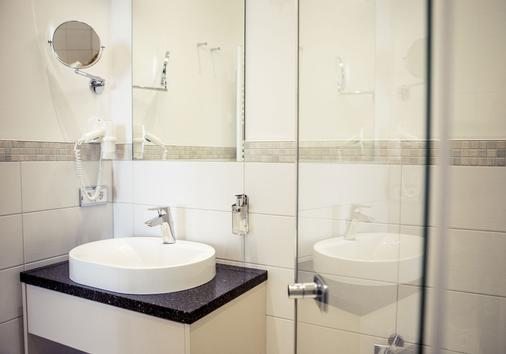 Weinhaus Uhle - Schwerin (Mecklenburg-Vorpommern) - Bathroom