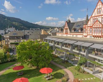 Hotel Moselschlößchen - Трабен-Трарбах - Здание
