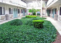 Motel 6 Chicago Ohare - Schiller Park - Schiller Park - Outdoor view