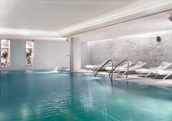 The Ritz-Carlton, Vienna - Wien - Uima-allas