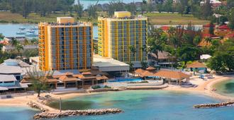 Sunset Beach Resort, Spa & Waterpark - Montego Bay - Gebäude