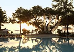 恰姆尤瓦羅賓遜俱樂部飯店 - 式 - 凱麥爾 - 游泳池