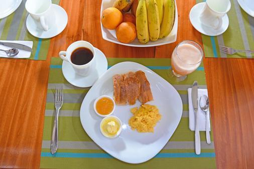 Lava House Hostal - Puerto Ayora - Thức ăn