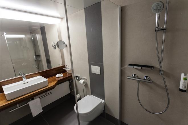 Luther-Hotel Wittenberg - Lutherstadt Wittenberg - Bathroom