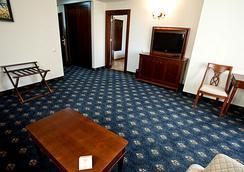 Primoretz Grand Hotel & Spa - Burgas - Schlafzimmer
