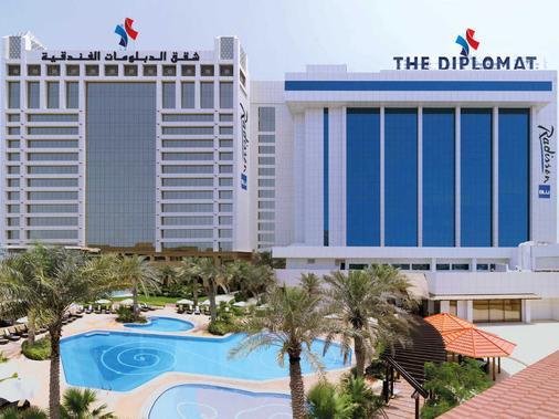 Diplomat Radisson Blu Hotel, Residence & Spa - Manama - Building