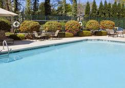 Wingate by Wyndham Atlanta/Buckhead - Atlanta - Pool