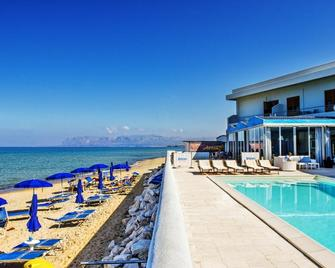 Hotel La Battigia - Alcamo - Gebouw