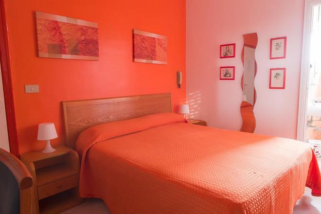 Piccolo Hotel - Terracina - Makuuhuone