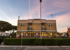 Piccolo Hotel - Terracina - Edificio