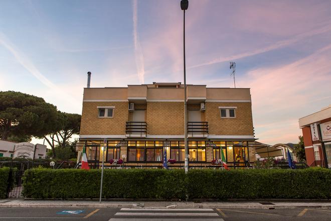 Piccolo Hotel - Terracina - Rakennus