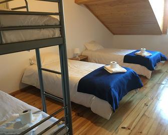 Residencial Avenida Hostel - Tomar - Camera da letto