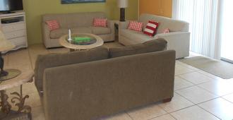 Sunshine Island Inn - Sanibel - Living room