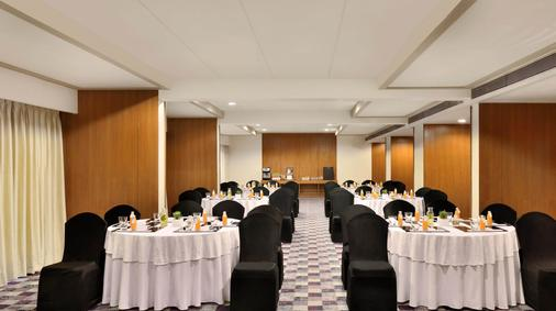 海德拉巴萬怡酒店 - 海德拉巴 - 海得拉巴 - 宴會廳