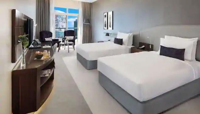 Radisson Blu Hotel, Dubai Waterfront - Dubai - Habitación
