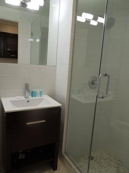 East Village Hotel - New York - Phòng tắm