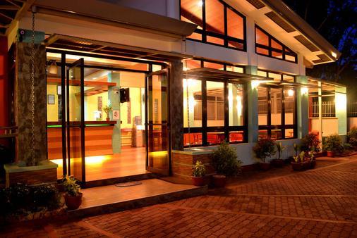 Julieta's Pension House - Puerto Princesa - Rakennus
