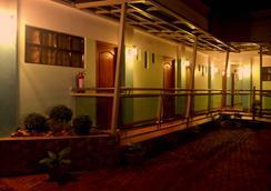 Julieta's Pension House - Puerto Princesa - Outdoor view