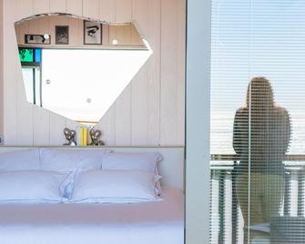 Hotel La Co(o)Rniche - La Teste-de-Buch - Camera da letto