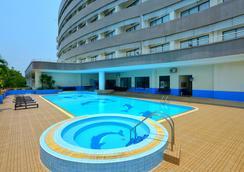 Loei Palace Hotel - Loei - Pool