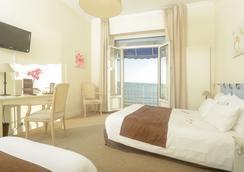 Grand Hôtel De La Plage - Royan - Bedroom