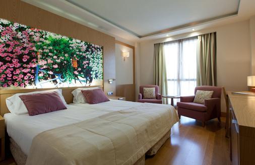 Hotel Nelva - Murcia - Bedroom