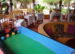 Fontaine Garden Village - Бвейю - Ресторан