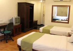 Sandhya Hotel - Hyderabad - Bedroom