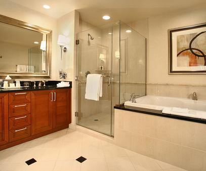 Luxury Suites International at Vdara - Las Vegas - Bathroom
