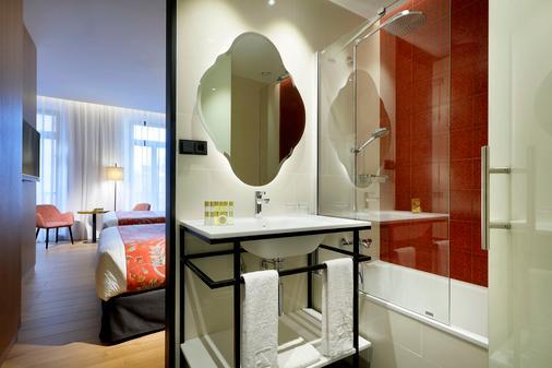 Eurostars Catedral - Granada - Bathroom