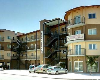 Aparthotel Giuliano - Empuriabrava - Building