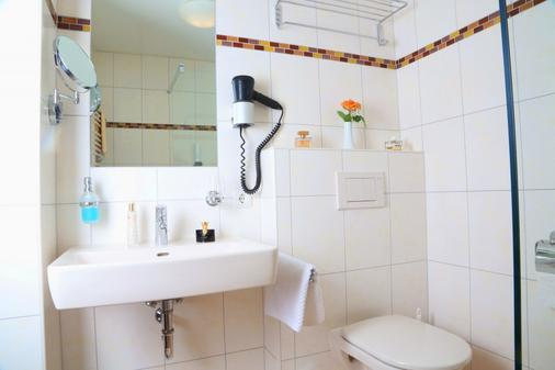 Gasthof Engelhof - Gmunden - Bathroom