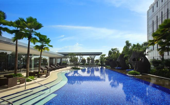 Hilton Bandung - Bandung - Uima-allas