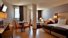 Turim Ibéria Hotel - Lisbon - Phòng ngủ