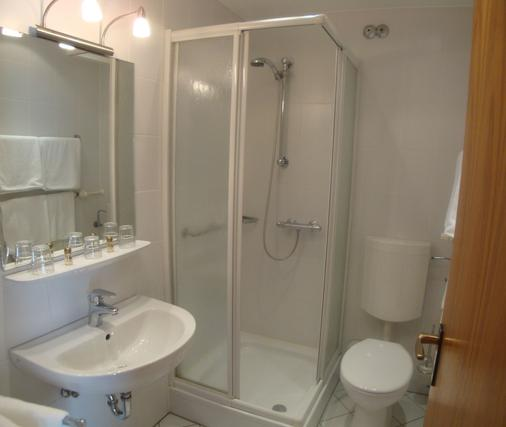Gasthof Hotel Herderich - Schluesselfeld - Bathroom