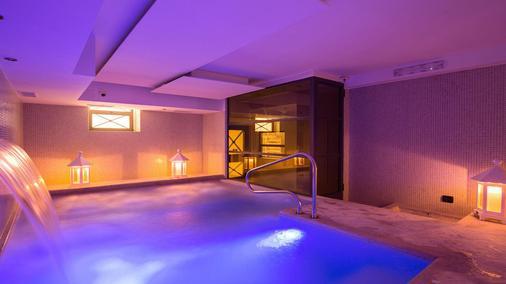 The Strand Hotel - Rooma - Uima-allas