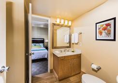 San Clemente Inn - San Clemente - Bathroom