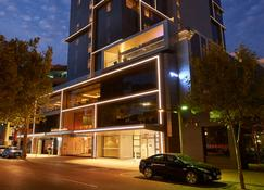 DoubleTree by Hilton Perth Northbridge - Perth - Building