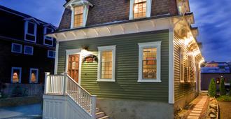 Bouchard Inn & Restaurant - Newport - Edificio
