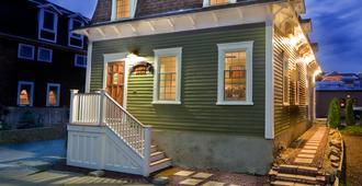 Bouchard Inn & Restaurant - Newport - Toà nhà