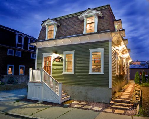 Bouchard Inn & Restaurant - Newport - Κτίριο