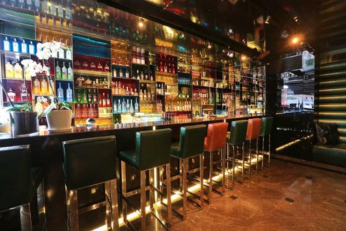 Alexander Boutique Hotel by the Beach - Tel Aviv - Bar