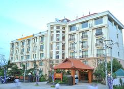Ayarwaddy River View Hotel - Mandalay - Building