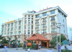 Ayarwaddy River View Hotel - Mandalay - Building