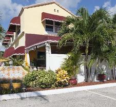 Villa Sinclair Beach Suites And Spa