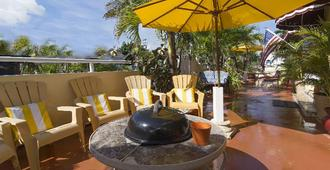 Villa Sinclair Beach Suites And Spa - Hollywood - Patio