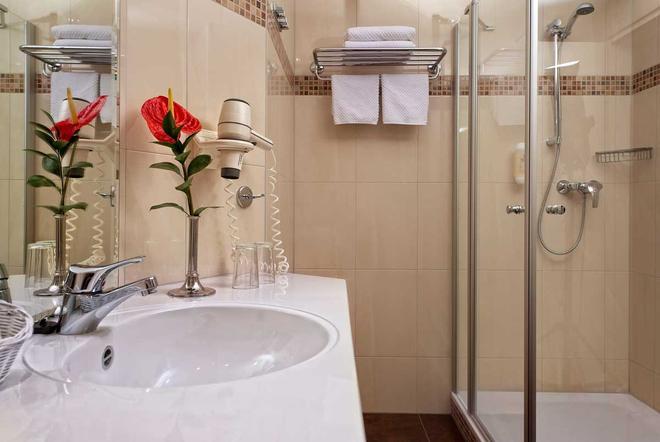 呂根之愛酒店 - 奥斯特希巴德賓茲 - 賓茲 - 浴室