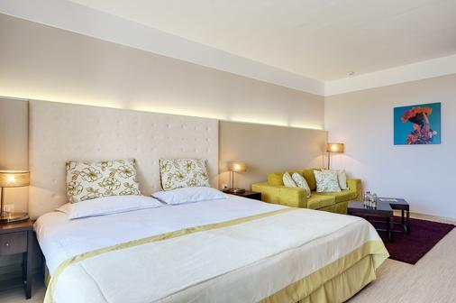 巴塞羅皇家海灘酒店 - 陽光海灘 - 陽光海岸 - 臥室